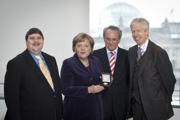 Bundeskanzlerin Angela Merkel erhält Europapreis