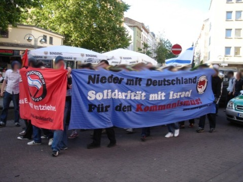 2006-00-00 wikipedia Anti-German_communist_protesters_in_Frankfurt_in_2006