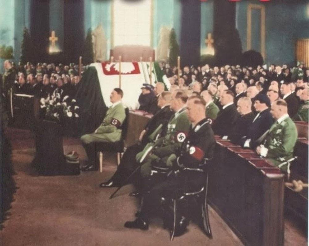 Adolf-Hitler-attending-memorial-service-of-Polish-First-Marshall-Jozef-Pilsudski-in-Berlin,-1935